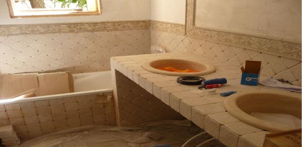 rifacimento bagno in muratura con piastrelle rustiche 10x10